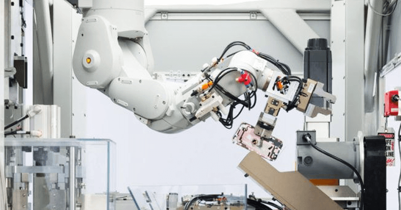 This New Apple Robot Destroys 200 iPhones At A Time